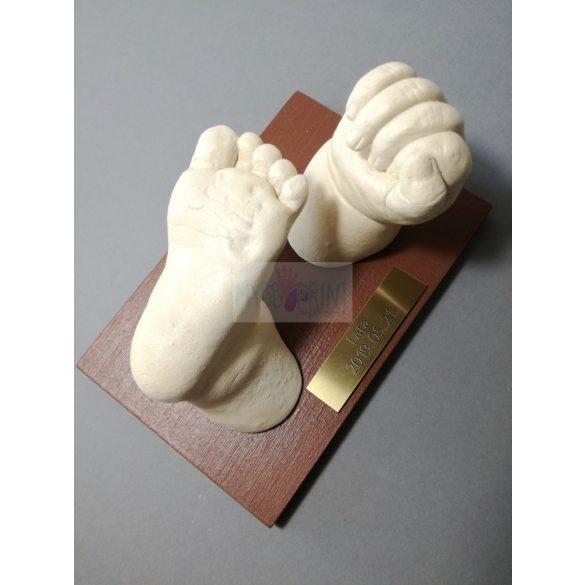 Egyedi gravírozott tábla szobrodhoz, lenyomatodhoz